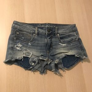 American Eagle Jean Shorts (Size 6) ✨